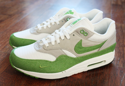 nike air max 1 white and green